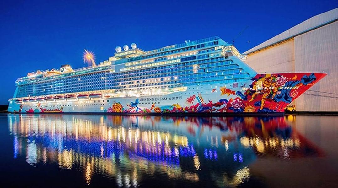 Hai tàu du lịch đưa hơn 7.000 khách đến Việt Nam 1