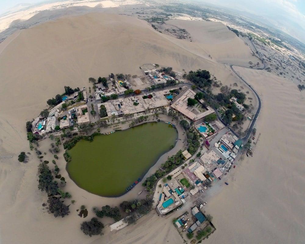 Ốc đảo hiện ra như ảo ảnh giữa sa mạc Peru 1